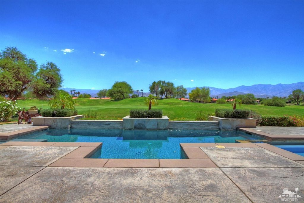 121 Royal Saint Georges Way, Rancho Mirage, CA 92270 -  $1,049,000 home for sale, house images, photos and pics gallery