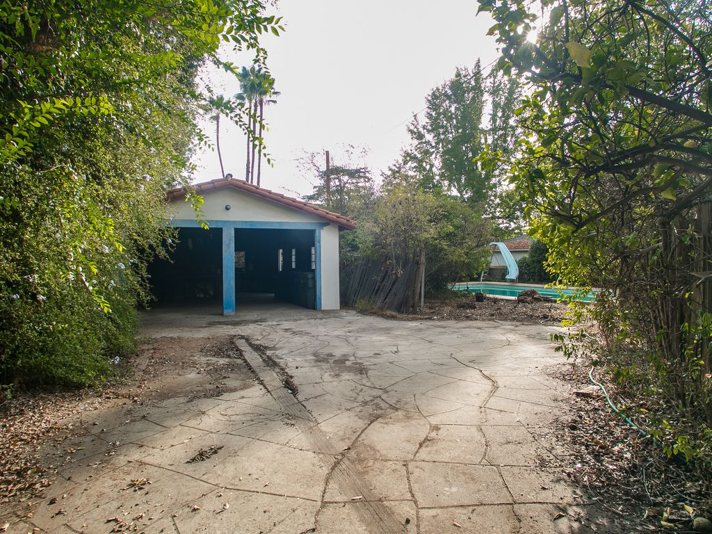 1284 New York Dr, Altadena, CA 91001 -  $1,099,000 home for sale, house images, photos and pics gallery