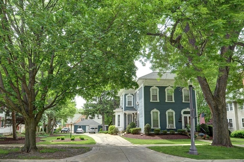 133 N Brainard St, Naperville, IL 60540 -  $1,000,000 home for sale, house images, photos and pics gallery