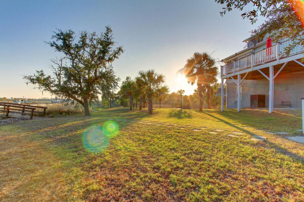1330 Newport Ct, Charleston, SC 29492 -  $1,125,000 home for sale, house images, photos and pics gallery