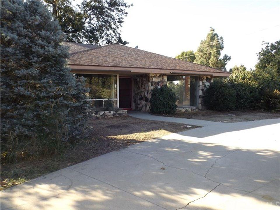 1508 Magnolia Ave, Ontario, CA 91762 -  $1,075,000
