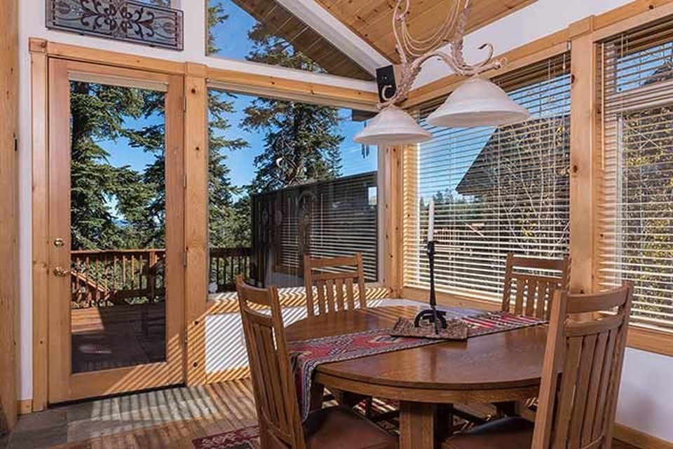 15289 Ski Slope Way, Truckee, CA 96161 -  $1,085,000 home for sale, house images, photos and pics gallery