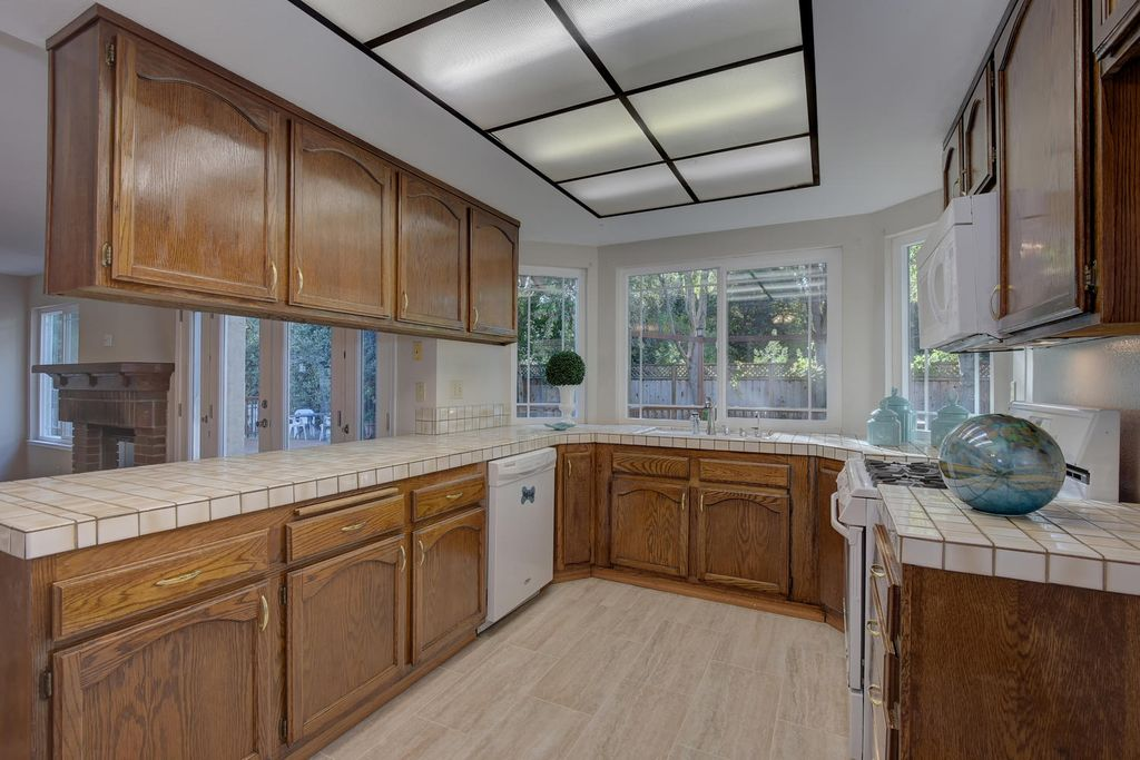 1542 Shinn Ct, Fremont, CA 94536 -  $1,050,000 home for sale, house images, photos and pics gallery