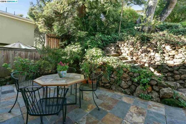 1544 Trestle Glen Rd, Oakland, CA 94610 -  $1,079,000