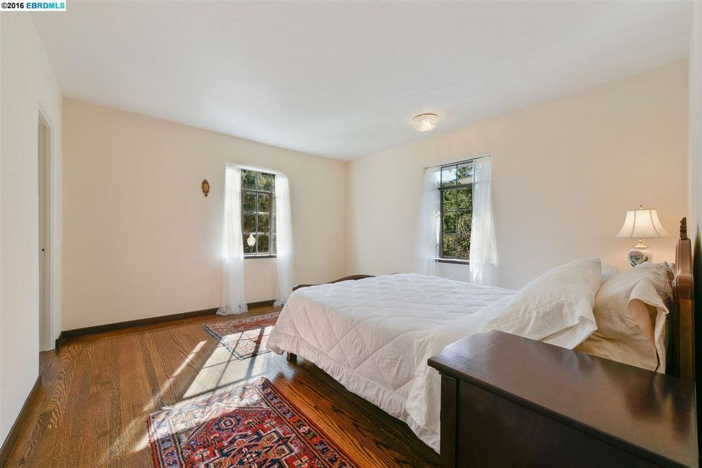 1544 Trestle Glen Rd, Oakland, CA 94610 -  $1,079,000 home for sale, house images, photos and pics gallery