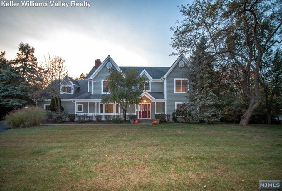 16 Rolling Ridge Rd, Upper Saddle River, NJ 07458 -  $1,189,000