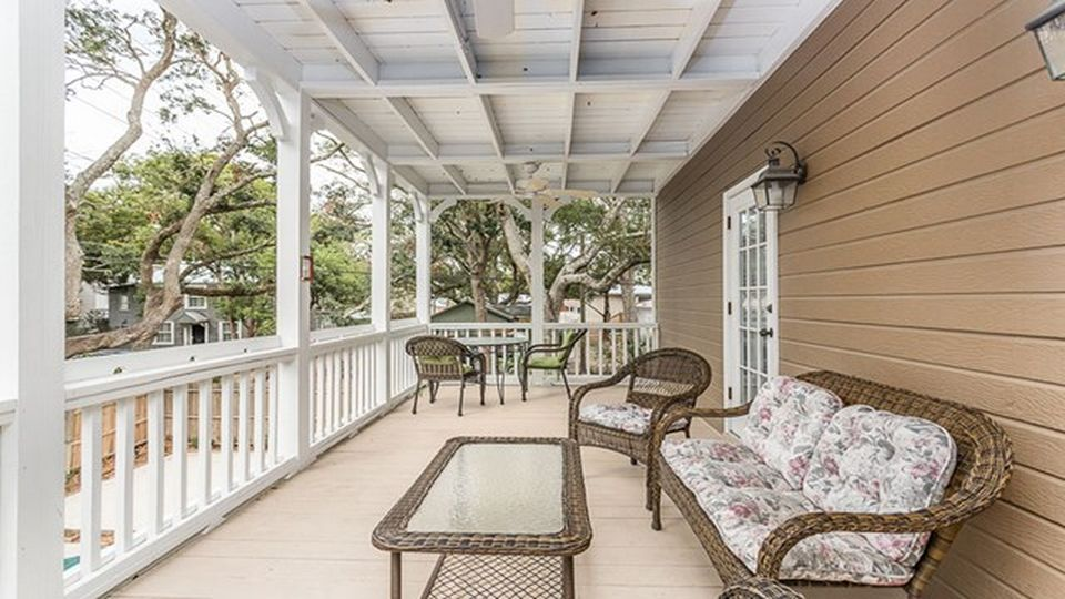1609 Bruce Dr, St Simons Island, GA 31522 -  $1,100,000 home for sale, house images, photos and pics gallery