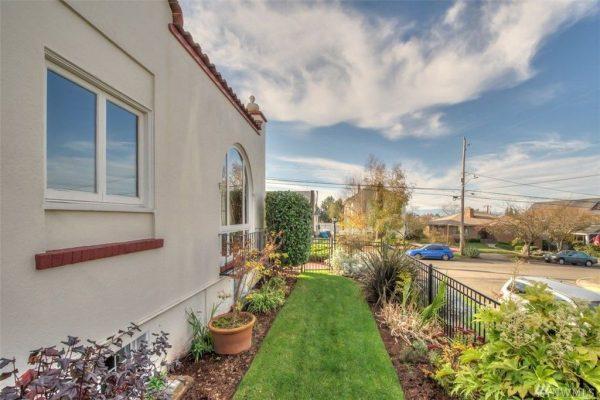 1622 1st Ave N, Seattle, WA 98109 -  $1,078,000