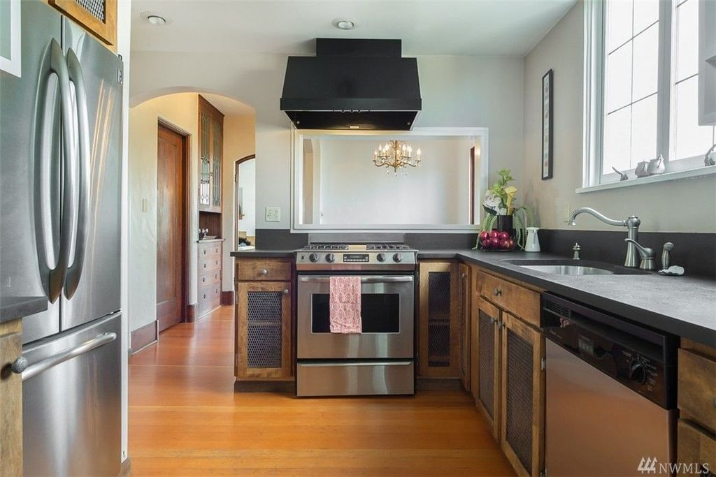 1622 1st Ave N, Seattle, WA 98109 -  $1,078,000 home for sale, house images, photos and pics gallery