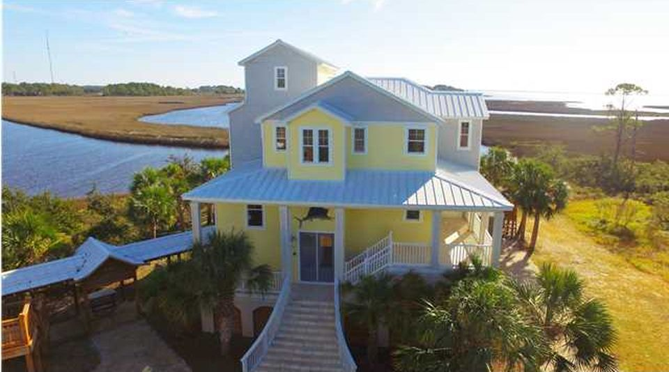 1622 Bayou Dr, Carrabelle, FL 32322 -  $1,100,000 home for sale, house images, photos and pics gallery