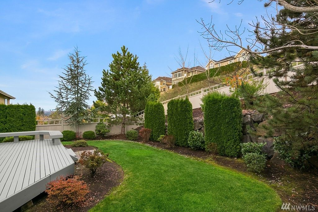 1636 28th Ave NE, Issaquah, WA 98029 -  $1,075,000 home for sale, house images, photos and pics gallery