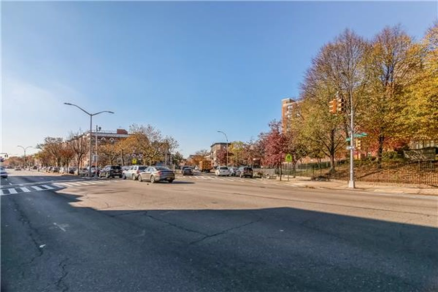 1662 Eastern Pkwy, Brooklyn, NY 11233 -  $1,100,000 home for sale, house images, photos and pics gallery