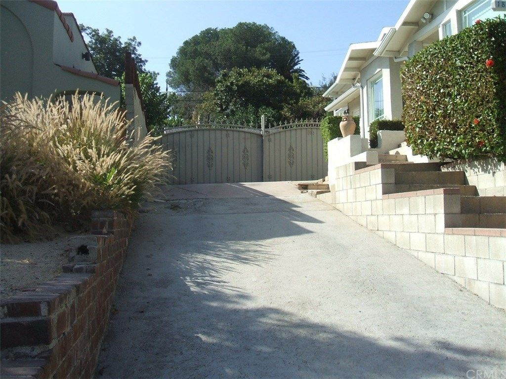1835 N Avenue 51, Los Angeles, CA 90042 -  $1,100,000 home for sale, house images, photos and pics gallery