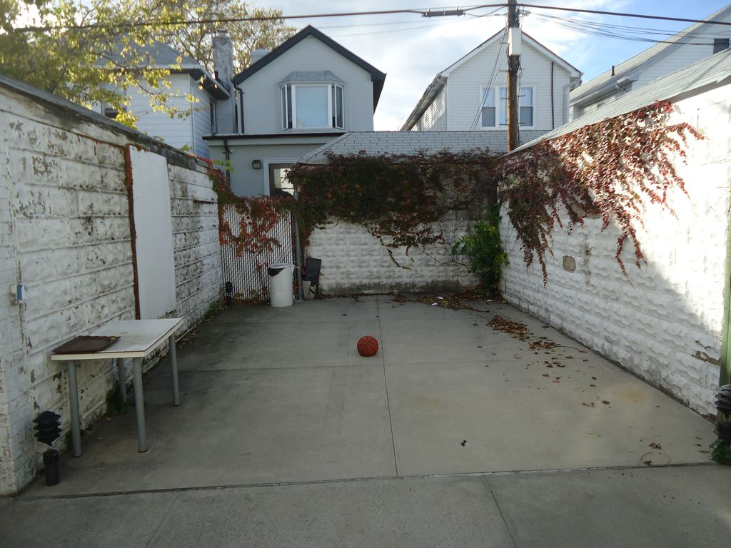 1936 E 23rd St, Brooklyn, NY 11229 -  $1,149,000 home for sale, house images, photos and pics gallery