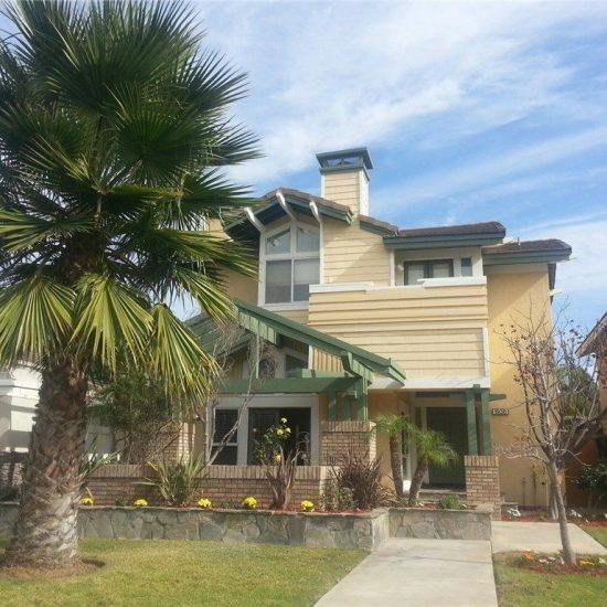 1936 Lake St, Huntington Beach, CA 92648 -  $1,159,000