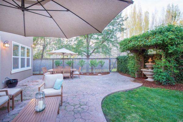1950 Catenacci Ct, Petaluma, CA 94954 -  $1,100,000