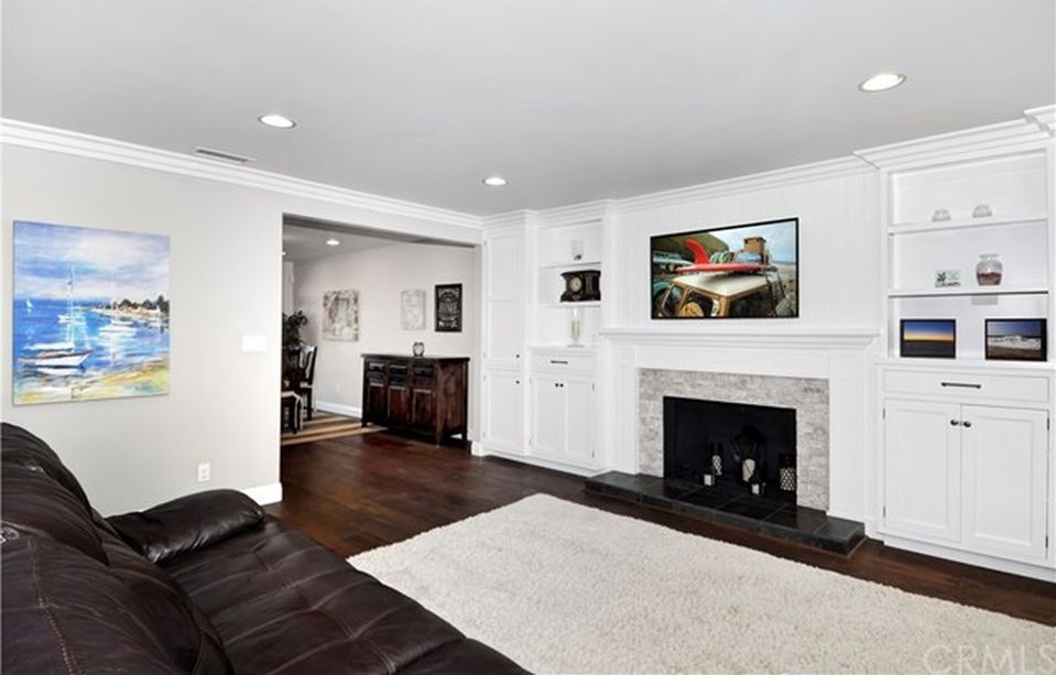20052 Beaumont Cir, Huntington Beach, CA 92646 -  $1,029,000 home for sale, house images, photos and pics gallery