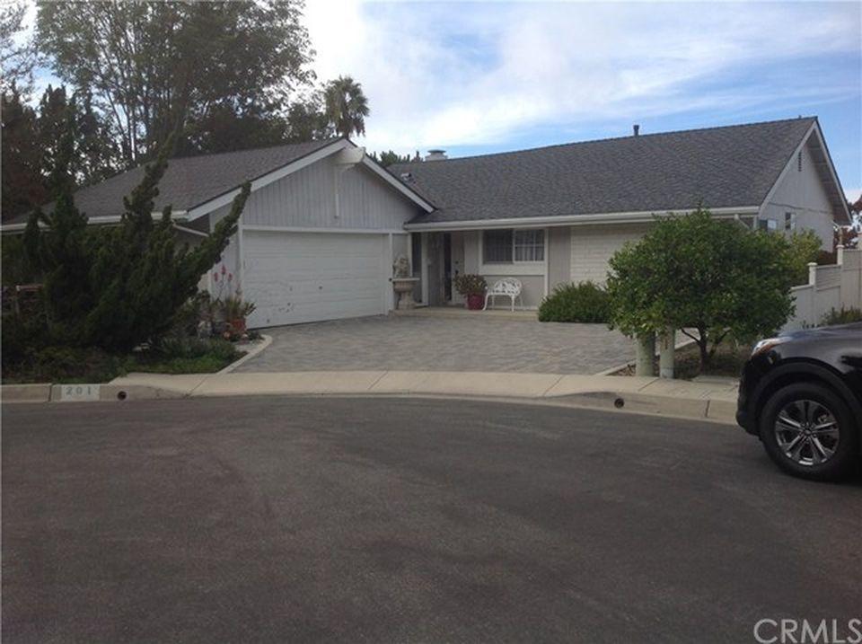201 Calle Dorado, San Clemente, CA 92672 -  $1,025,000