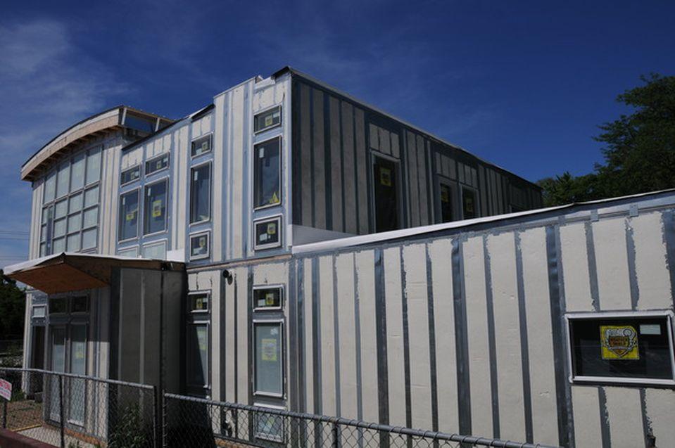 2017 Skyelar Ct, Highland Park, IL 60035 -  $1,049,000