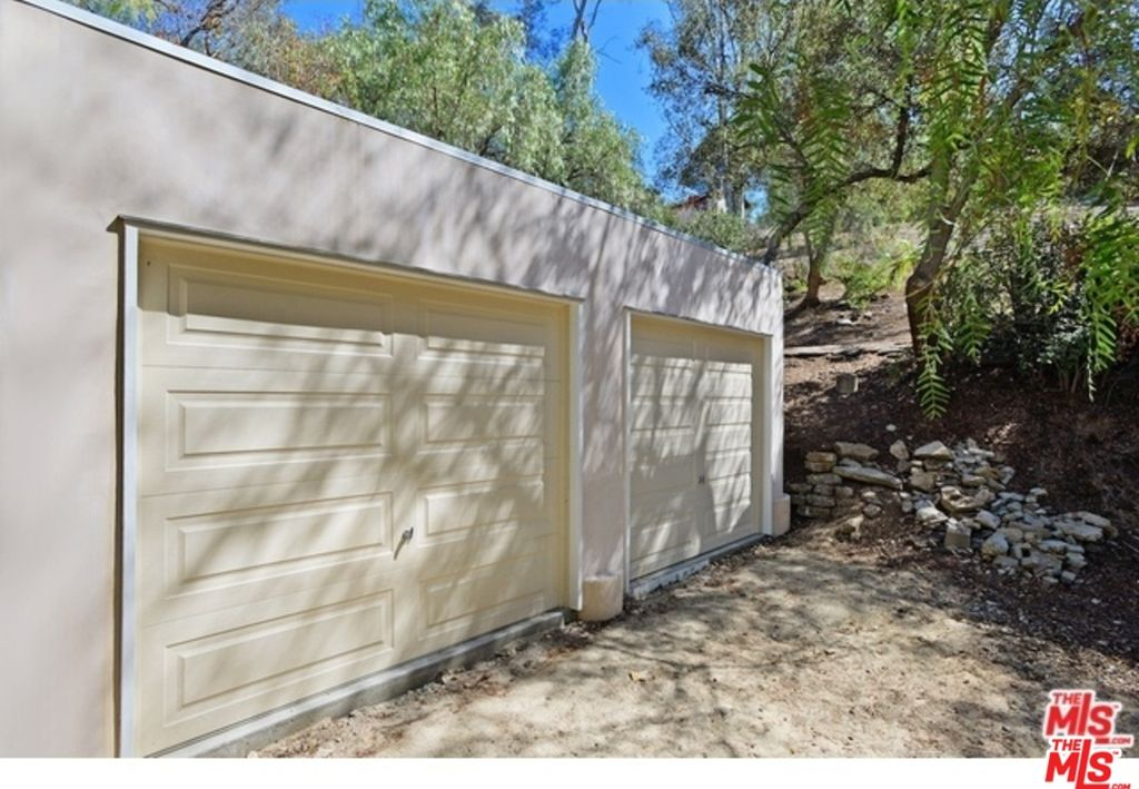 20360 Callon Dr, Topanga, CA 90290 -  $1,099,000 home for sale, house images, photos and pics gallery