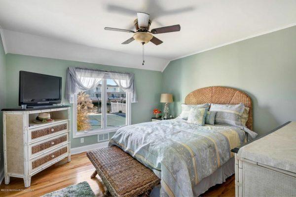 208 Curtis Point Dr, Mantoloking, NJ 08738 -  $1,185,000