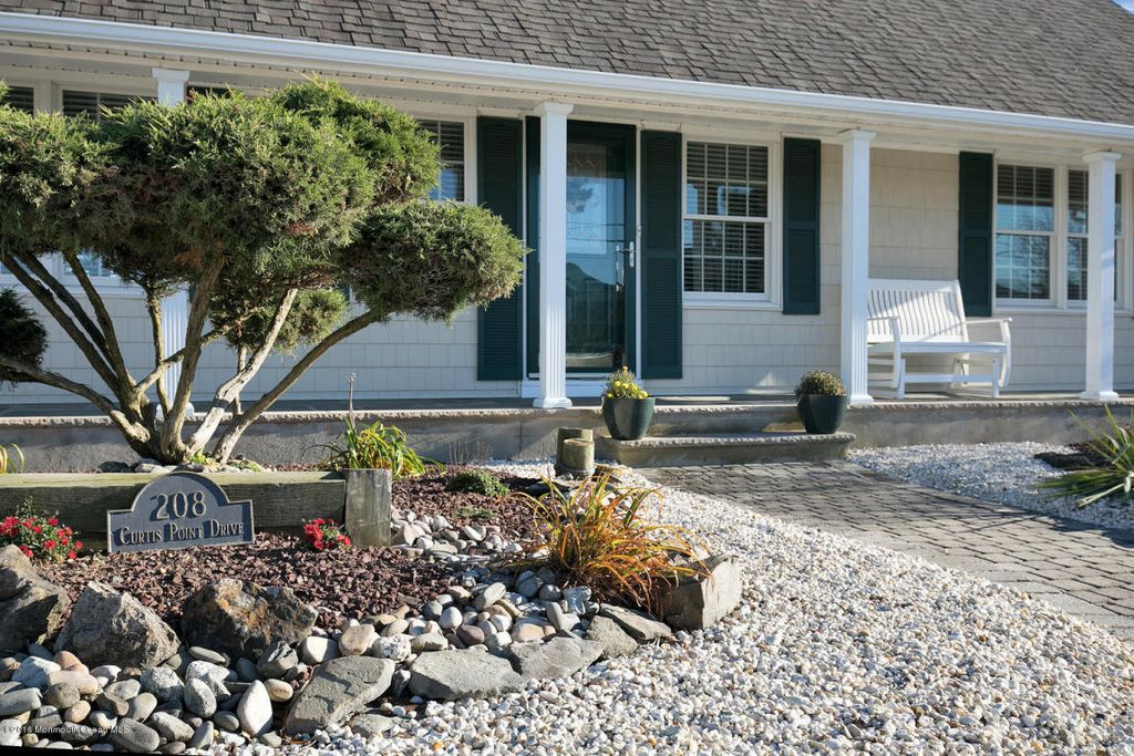 208 Curtis Point Dr, Mantoloking, NJ 08738 -  $1,185,000 home for sale, house images, photos and pics gallery