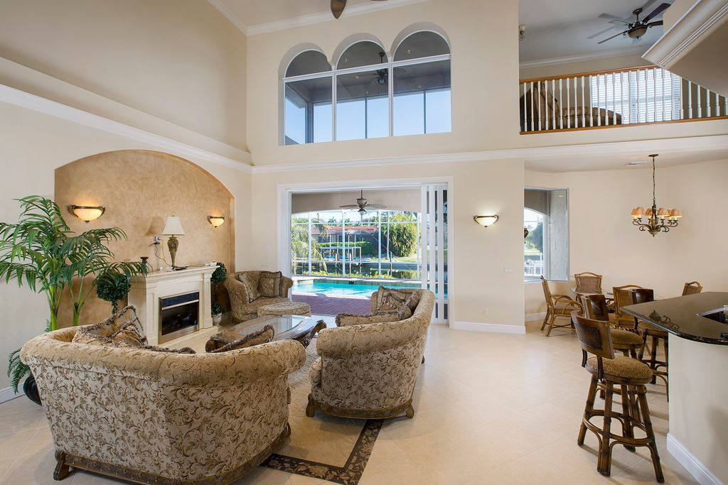 215 Seahorse Ct, Marco Island, FL 34145 -  $1,098,000 home for sale, house images, photos and pics gallery