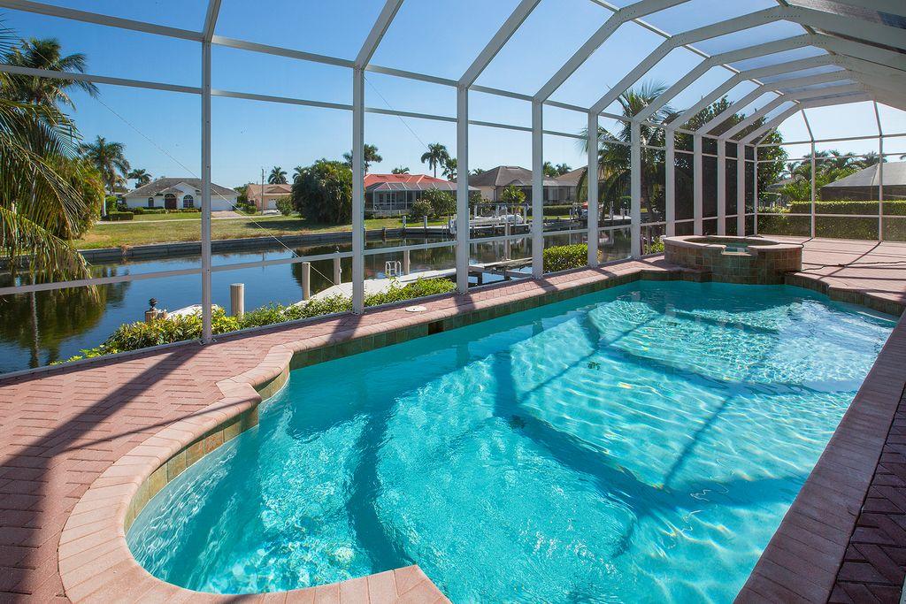 215 Seahorse Ct, Marco Island, FL 34145 -  $1,098,000