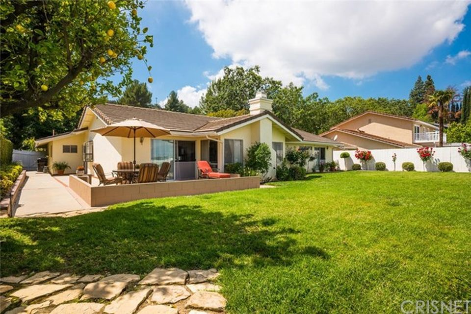 21767 Ulmus Dr, Woodland Hills, CA 91364 -  $1,099,000 home for sale, house images, photos and pics gallery