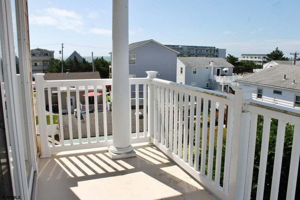 218 S Roosevelt Blvd, Brigantine, NJ 08203 -  $1,099,000 home for sale, house images, photos and pics gallery