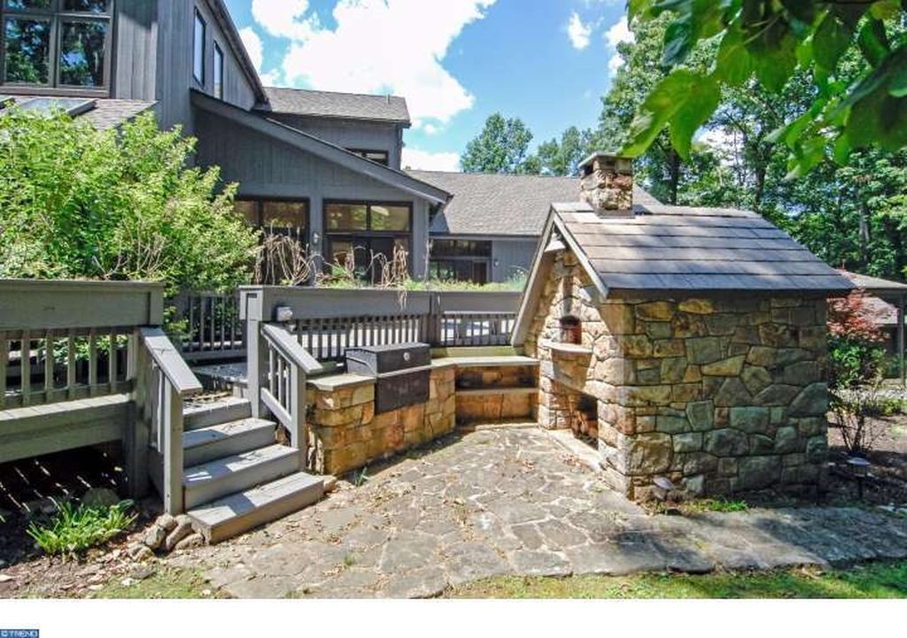 225 Kathleen Way, Glenmoore, PA 19343 -  $1,050,000 home for sale, house images, photos and pics gallery