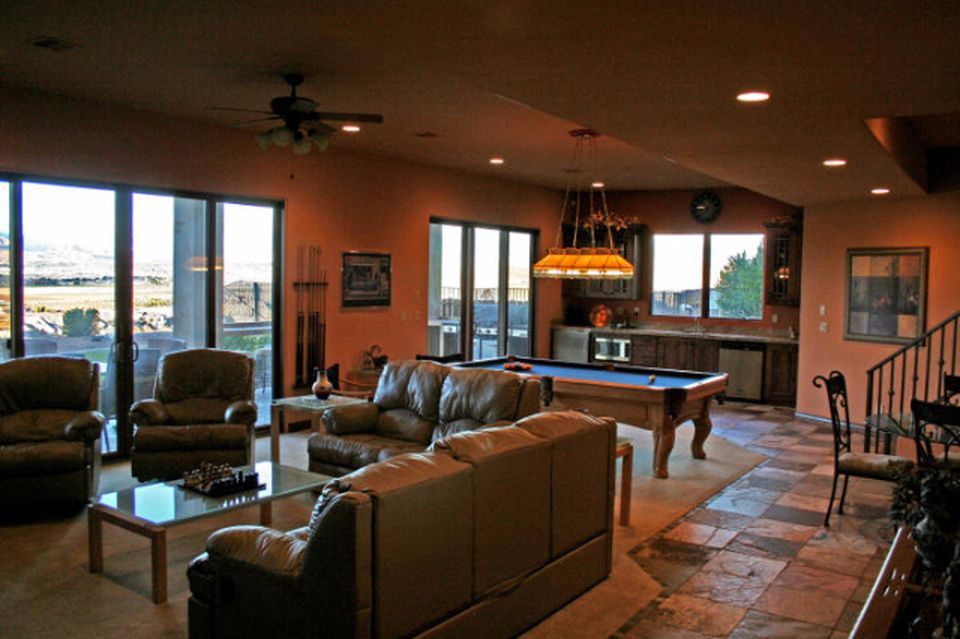 2383 Stone Crest Cir, St George, UT 84790 -  $1,090,000 home for sale, house images, photos and pics gallery