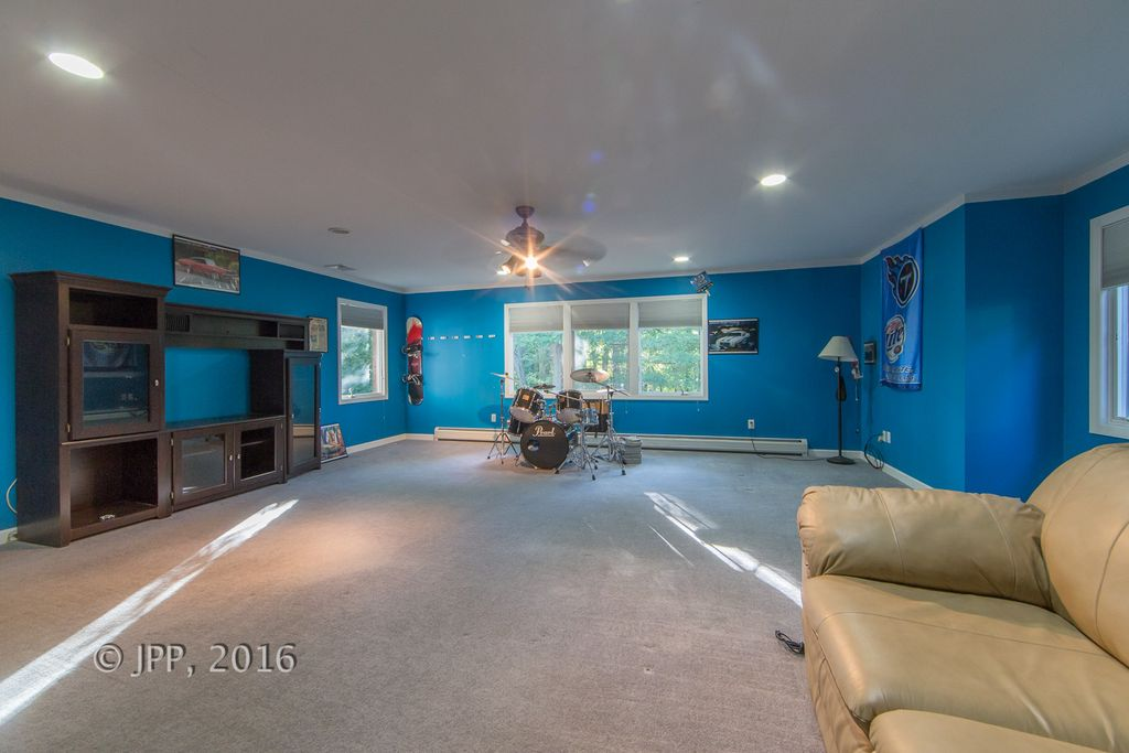 240 Piermont Rd, Norwood, NJ 07648 -  $1,098,000 home for sale, house images, photos and pics gallery