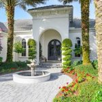 2400 Isle Of Palms Dr, Venice, FL 34292 -  $1,075,000