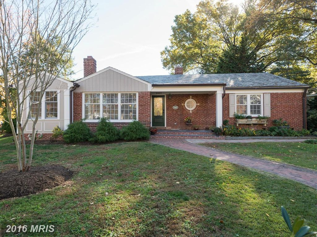 2421 N Monroe St, Arlington, VA 22207 -  $1,050,000