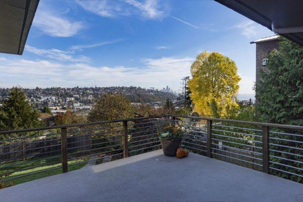 2514 25th Ave W, Seattle, WA 98199 -  $1,065,000
