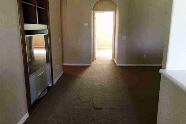 2531 Montclaire Cir, Weston, FL 33327 -  $1,060,000