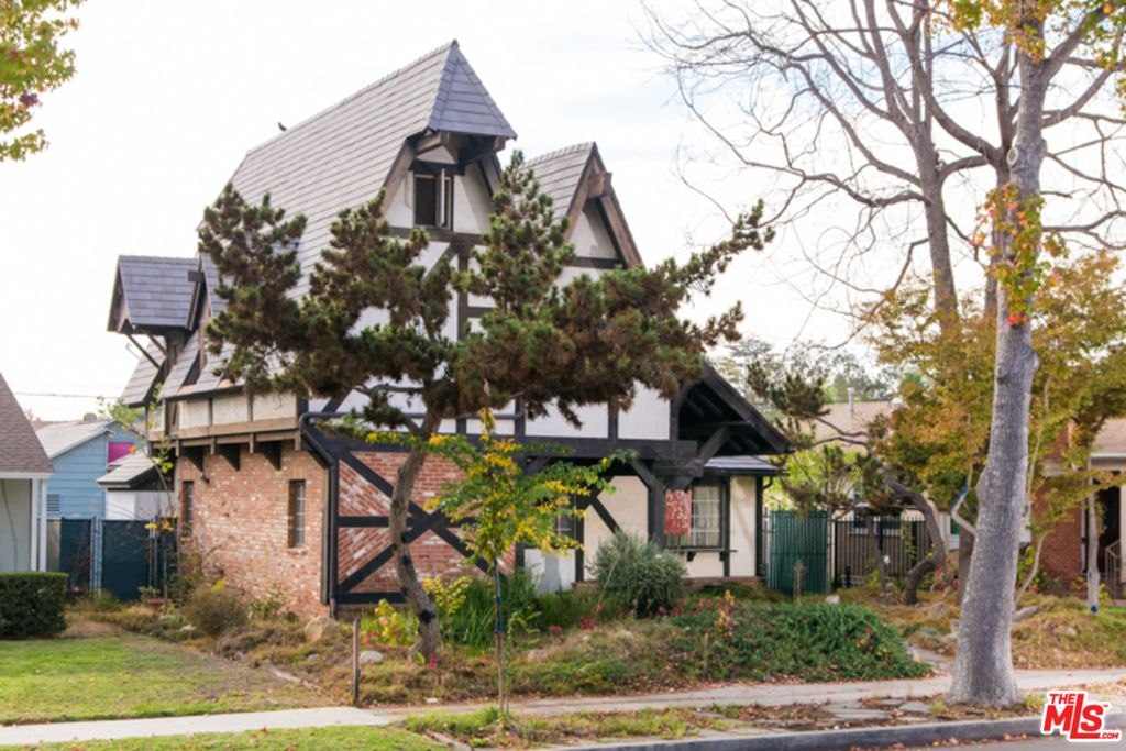 2735 Westwood Blvd, Los Angeles, CA 90064 -  $1,100,000 home for sale, house images, photos and pics gallery