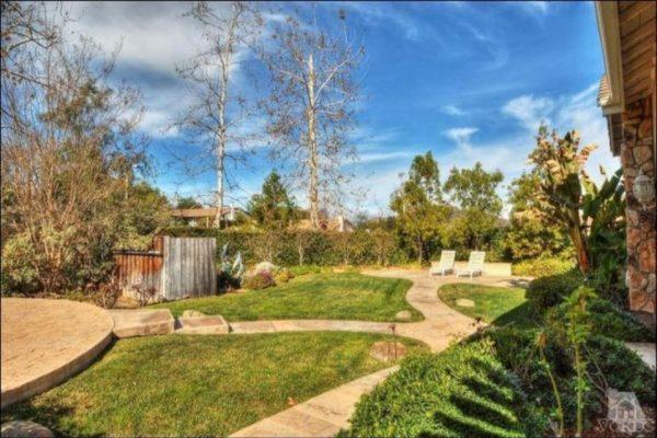 28 Cindy Ave, Thousand Oaks, CA 91320 -  $1,097,000