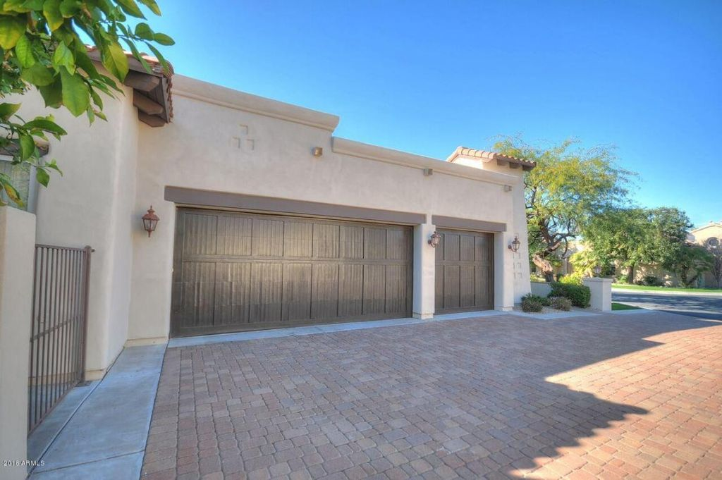 307 E Wexford Cv, Phoenix, AZ 85020 -  $1,055,000 home for sale, house images, photos and pics gallery
