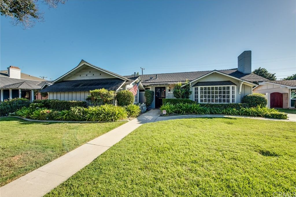 3352 Huntley Dr, Rossmoor, CA 90720 -  $1,125,000 home for sale, house images, photos and pics gallery