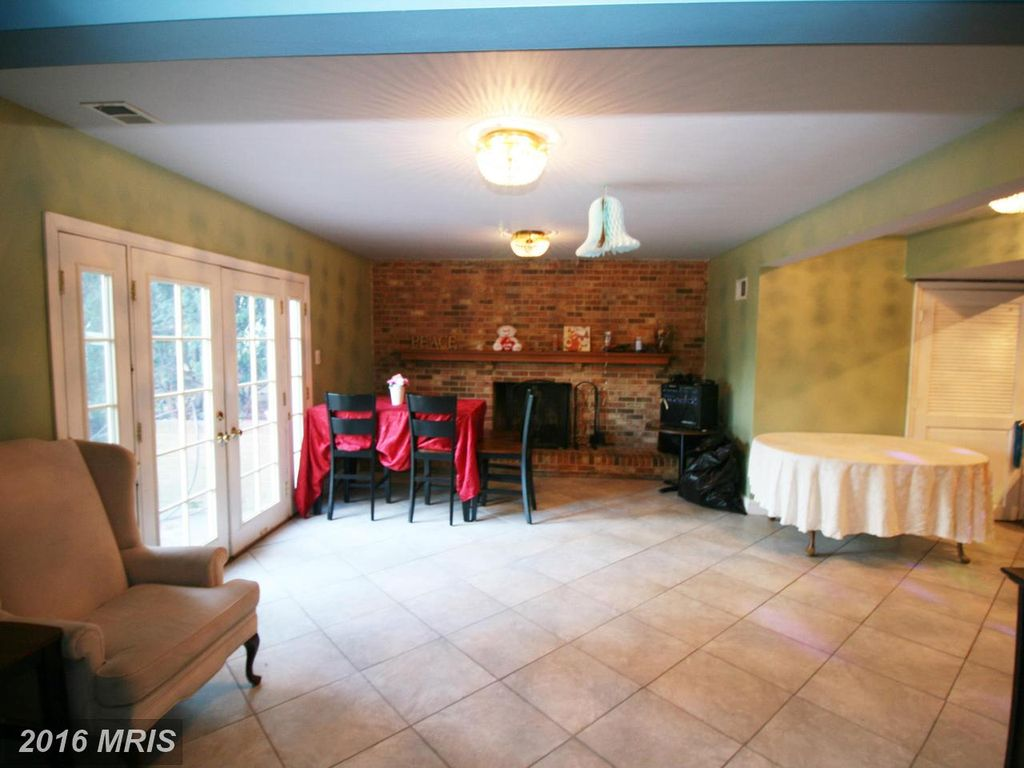 3707 Sleepy Hollow Rd, Falls Church, VA 22041 -  $1,035,000 home for sale, house images, photos and pics gallery