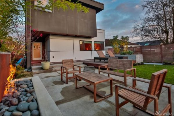 3929 Midvale Ave N, Seattle, WA 98103 -  $1,095,000