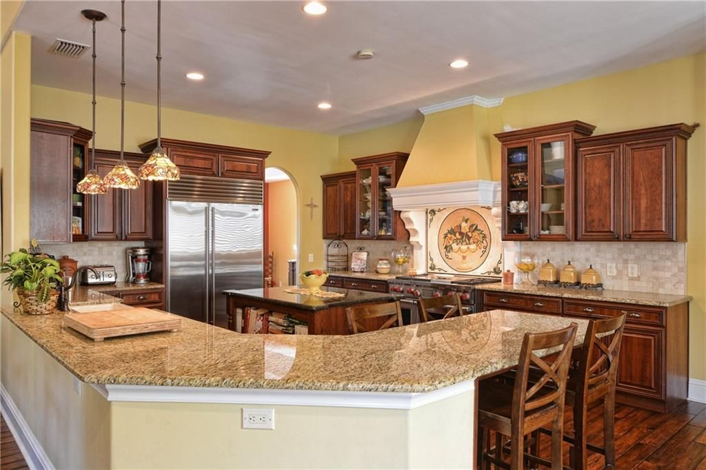 4 Marguerita Dr, Sewalls Point, FL 34996 -  $1,075,000 home for sale, house images, photos and pics gallery