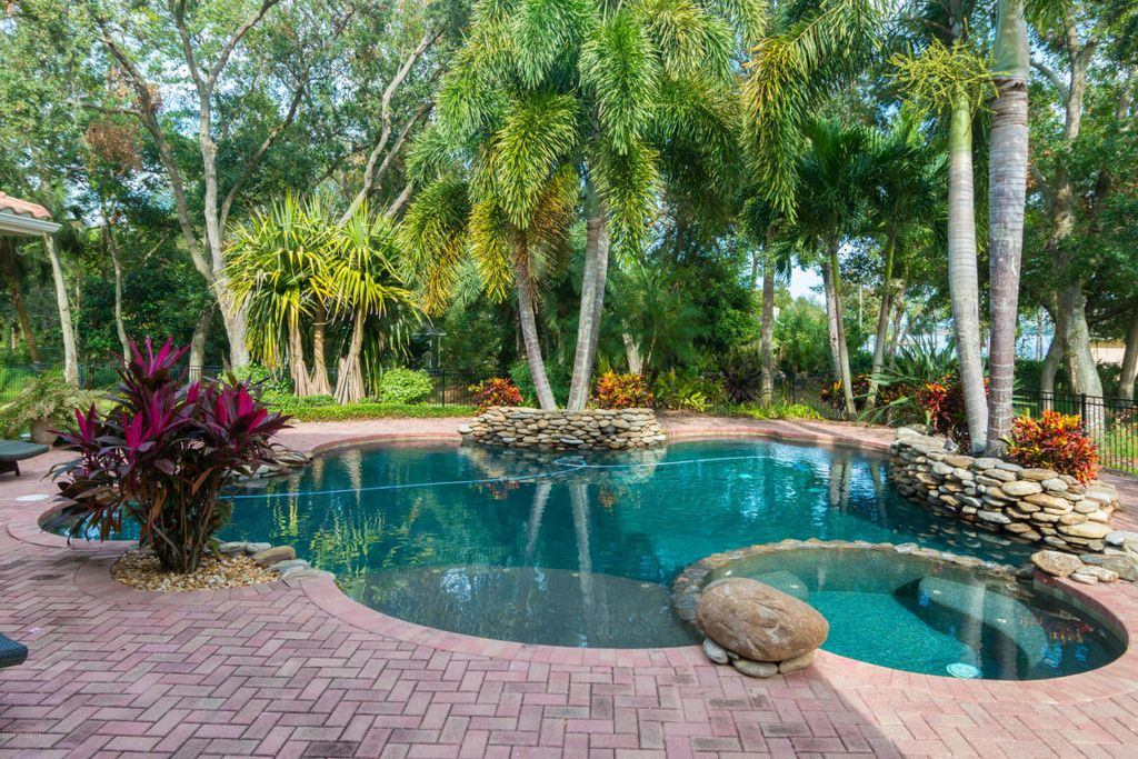 40 Bayshore Ct, Rockledge, FL 32955 -  $1,099,000 home for sale, house images, photos and pics gallery