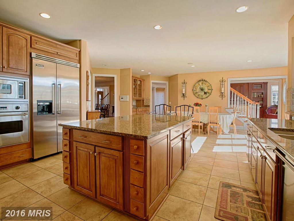 42645 Bradfords Telegraph Ct, Chantilly, VA 20152 -  $1,099,000 home for sale, house images, photos and pics gallery