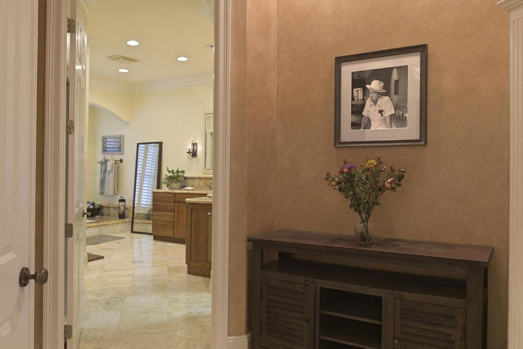 444 Captains Cir, Destin, FL 32541 -  $1,095,000 home for sale, house images, photos and pics gallery