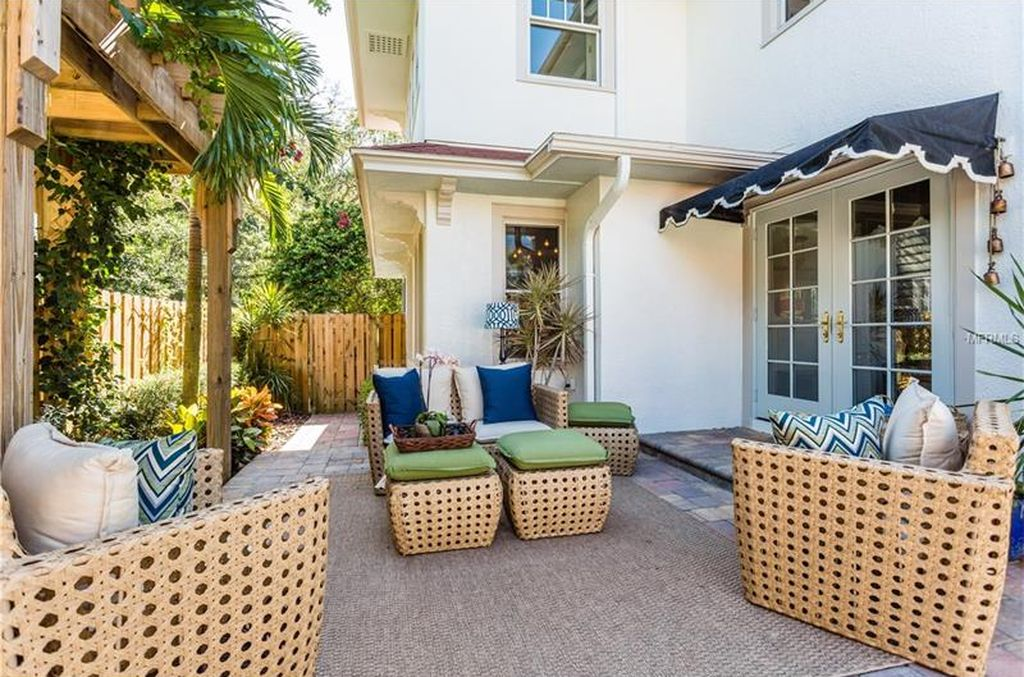 445 17th Ave NE, St Petersburg, FL 33704 -  $1,050,000 home for sale, house images, photos and pics gallery