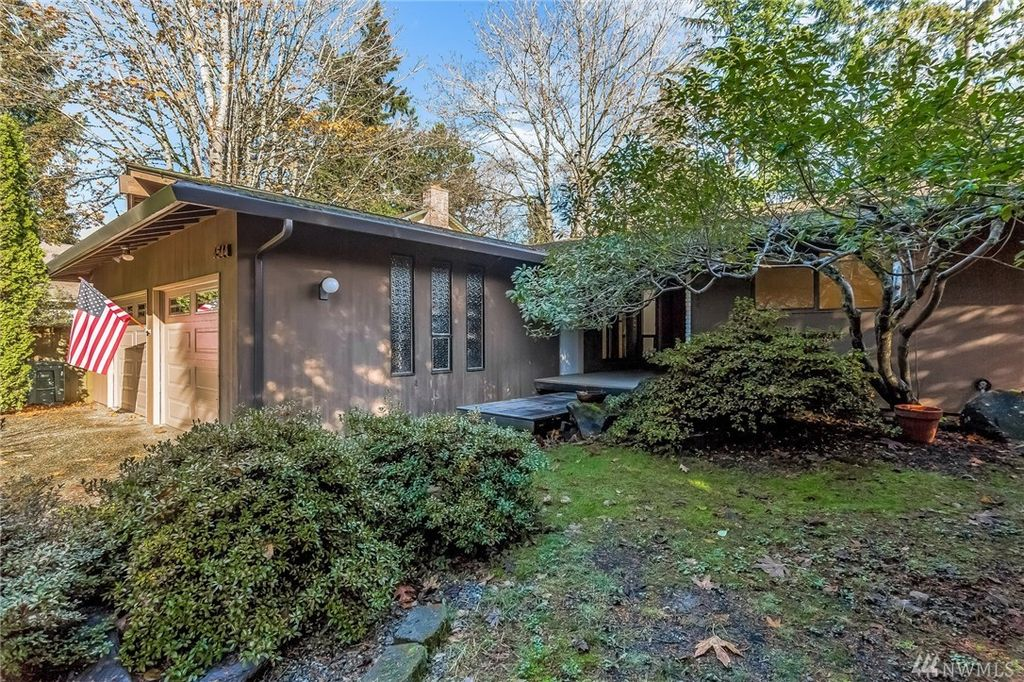 4544 91st Ave SE, Mercer Island, WA 98040 -  $1,075,000 home for sale, house images, photos and pics gallery