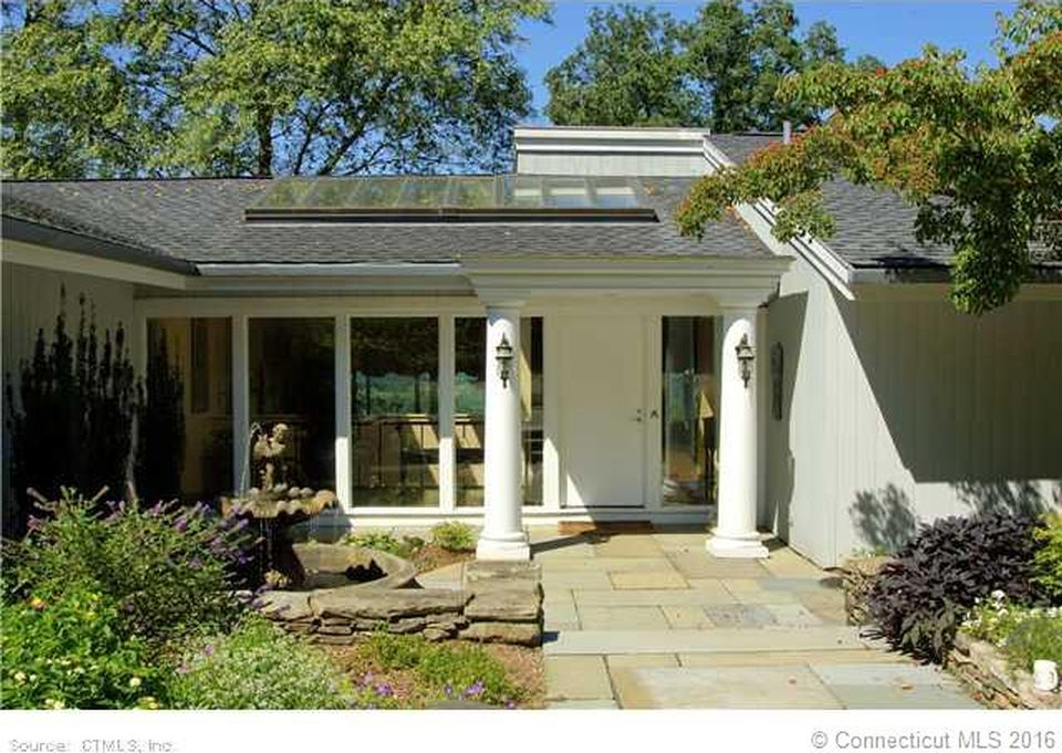 49 Prattling Pond Rd, Farmington, CT 06032 -  $1,059,000